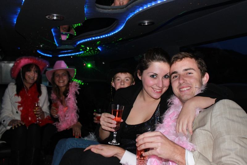 club-hopping-limo-hire