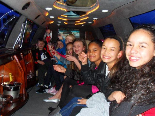 kiddies-parties-limo-hire